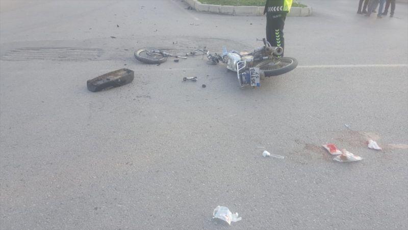 İzmir'de kamyonla motosiklet çarpıştı: 1 ölü, 1 yaralı