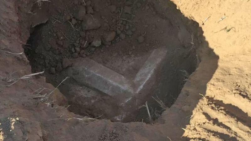 Aydın'da kaçak kazı yapılan alanda lahit kapağı bulundu