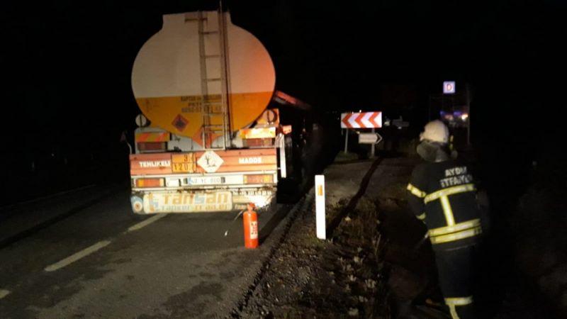 Aydın'da seyir halindeki petrol tankerinin lastiğinde çıkan yangın söndürüldü