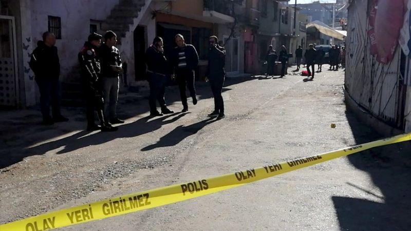 İzmir'de iki grup arasında silahlı kavga: 10 yaralı