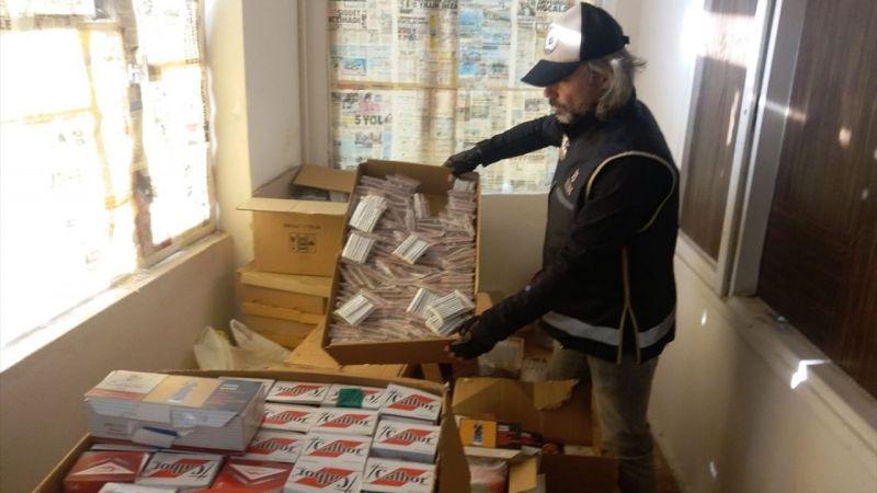İzmir'de bir depoda 7 bin 200 paket kaçak sigara ele geçirildi