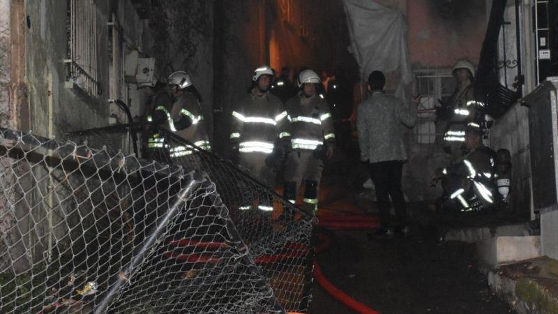 İzmir'de çıkan yangında bir kişi öldü