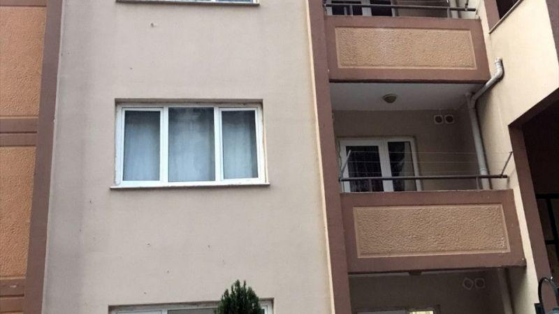 İzmir'de 4. kattan düşen bebek yaşamını yitirdi