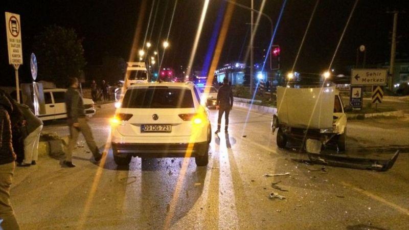 Aydın'da İki Otomobil Çarpıştı: 6 Yaralı