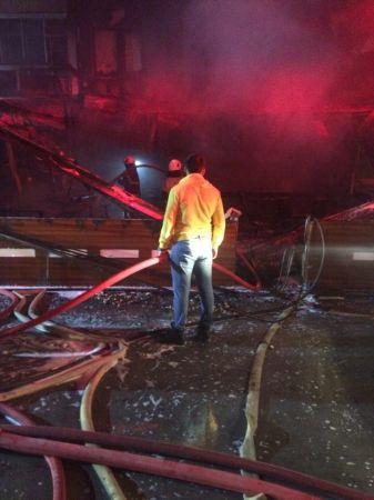 İzmir'de kafede çıkan yangında 5 kişi dumandan etkilendi