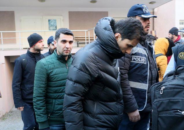 FETÖ'nün TSK'daki yapılanmasında gözaltına alınan 105 zanlı adliyeye sevk edildi