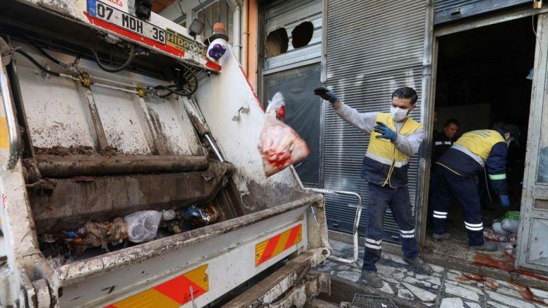 İzmir'de 3 ton 100 kilogram bozulmuş tavuk ve hindi eti ele geçirildi