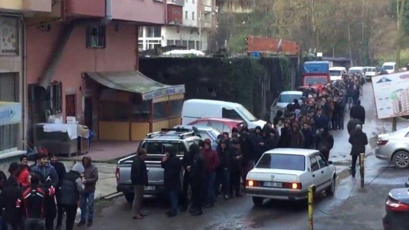 Türkiye'de işsizlik : Metrelerce kuyruk oluştu