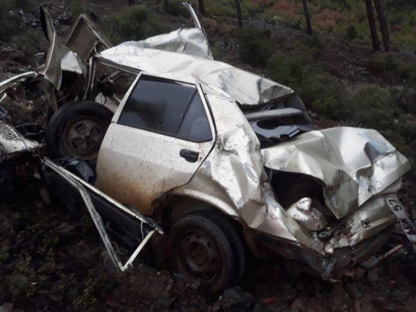 Denizli'de kaybolan 2 kişi uçuruma yuvarlanan otomobilde ölü bulundu