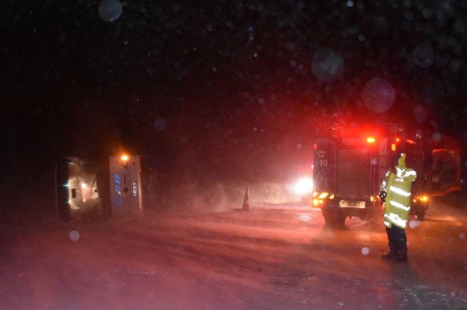 Afyonkarahisar'da yolcu otobüsü devrildi: 20 yaralı