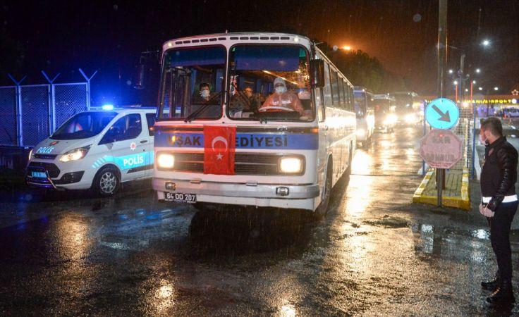 KKTC'den gelen 130 kişi, Uşak'ta öğrenci yurduna yerleştirildi