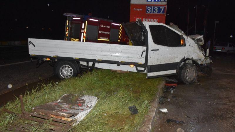 Aydın'da otomobil ile kamyonet çarpıştı: 3 yaralı