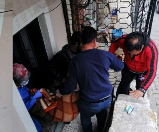 Mutfak tüpündeki gaz kaçağından etkilenen yaşlı kadın hastaneye kaldırıldı