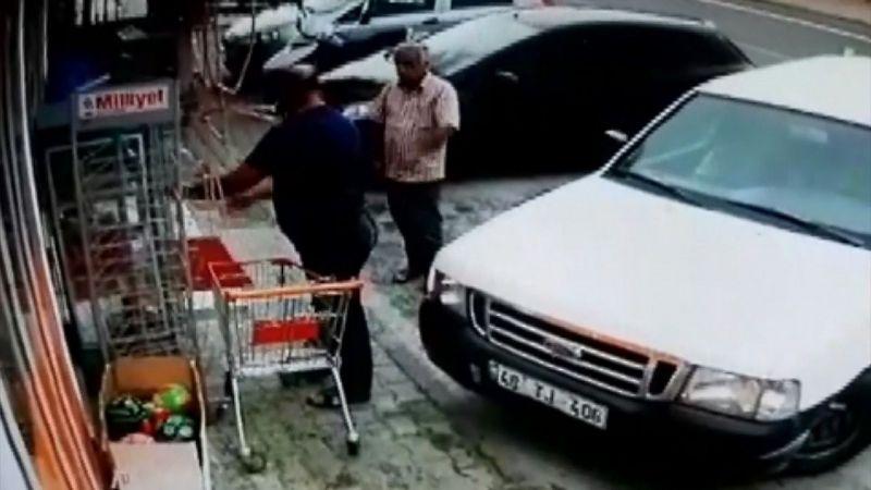 Bodrum'da market önündeki yardım dolabı, aynı aileden olduğu öne sürülen kişilerce boşaltıldı