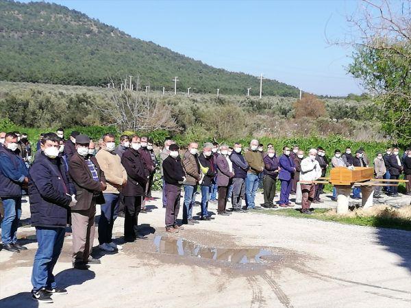 Manisa'da öldürülüp cesedi parçalanan kişinin cenazesi toprağa verildi