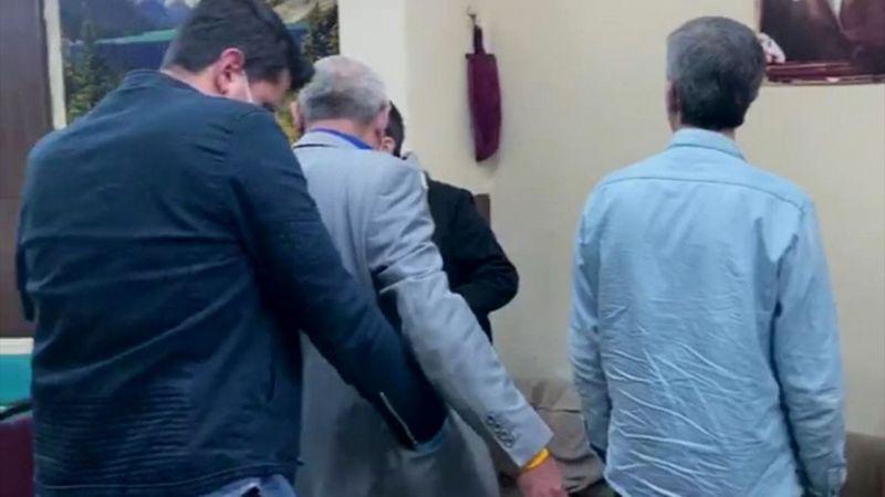 """Kütahya'da kumar oynayan 14 kişiye """"sosyal mesafe"""" cezası"""