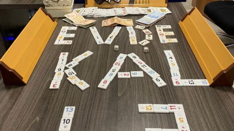 """Kütahya'da kahvehanede kumar oynayan 25 kişiye """"sosyal mesafe"""" cezası"""