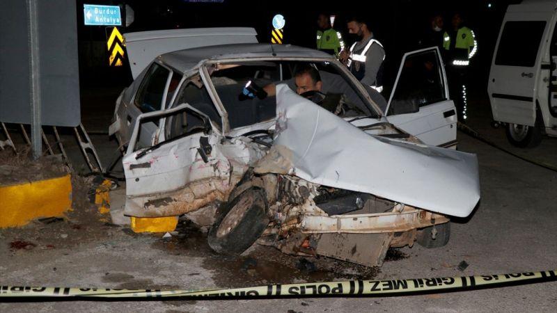 Muğla'da kamyon ile otomobil çarpıştı: 2 ölü