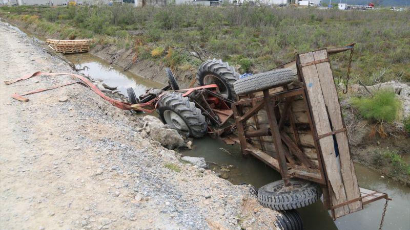 Muğla'da su kanalına devrilen traktörün sürücüsü öldü
