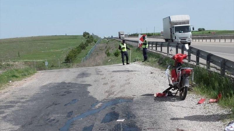Afyonkarahisar'da motosiklet devrildi: 1 ölü, 1 yaralı