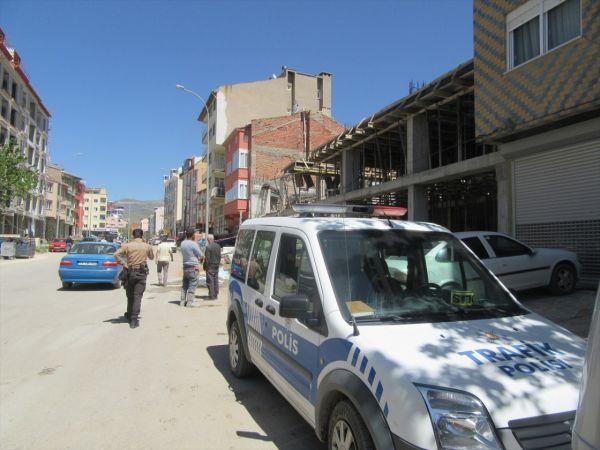 Afyonkarahisar'da inşaattaki çökmede iki işçi yaralandı