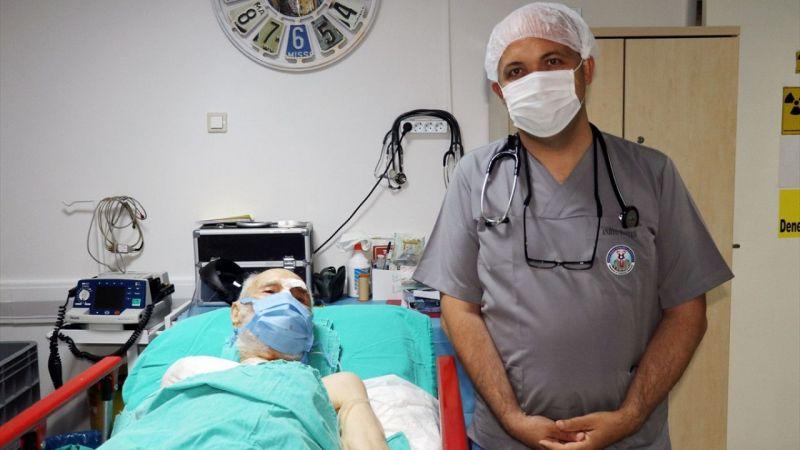 Aydın'da 93 yaşındaki hastaya kalp pili takıldı