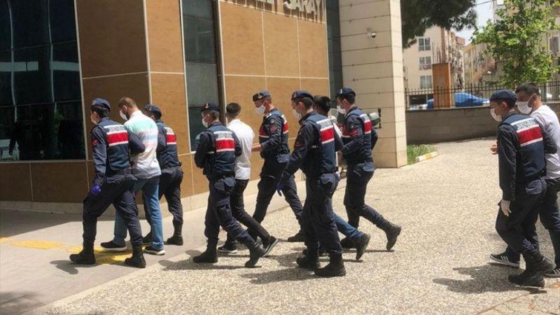İzmir'de hayvan hırsızlığı yaptıkları iddiasıyla 3 zanlı tutuklandı