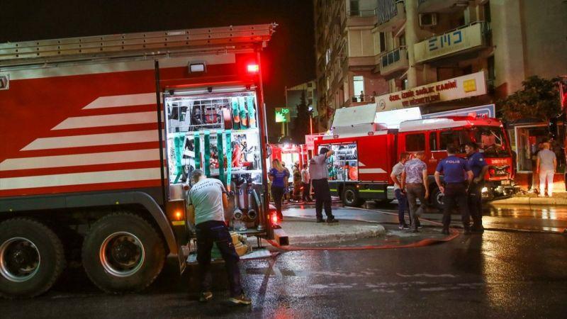 İzmir'de iş yerinde çıkan yangın hasara neden oldu