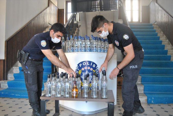 İzmir'de sahte içki operasyonu
