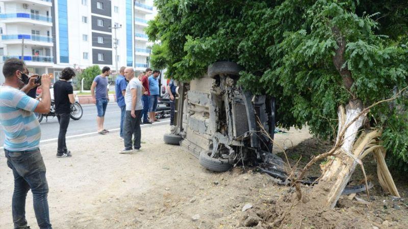Aydın Büyükşehir Belediye Meclis Üyesi Mehmet Çondur ile oğlu trafik kazasında yaralandı