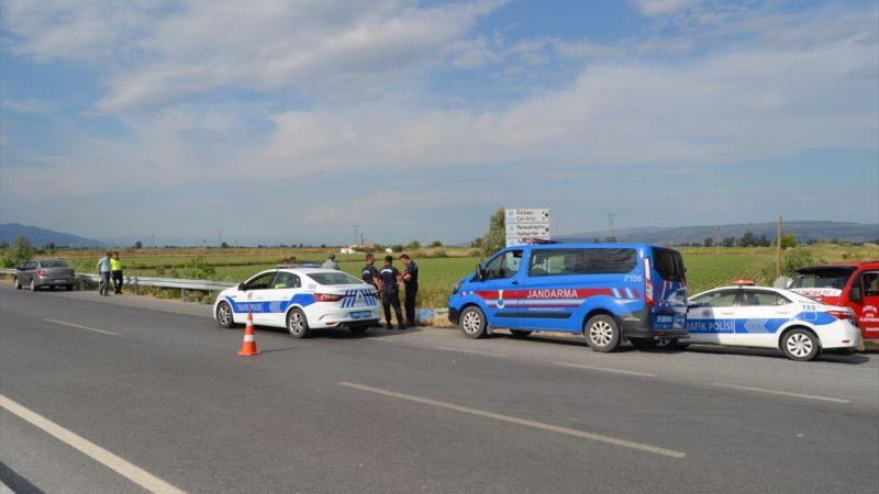 Aydın'da sulama kanalına düşen otomobildeki 4'ü çocuk 7 kişi yaralandı