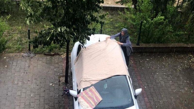 İzmir'de sağanak ve dolu hayatı olumsuz etkiledi