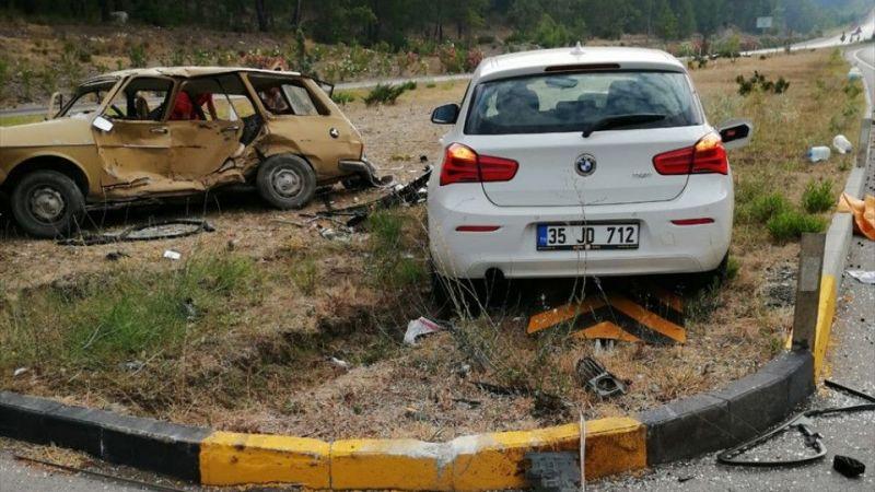 Muğla'da iki otomobil çarpıştı: 2 ölü, 1 yaralı