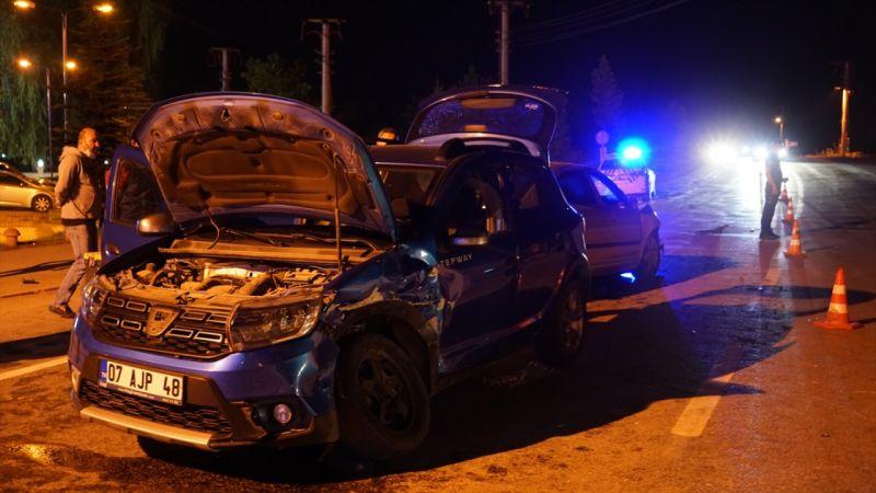 Kütahya'da iki otomobil çarpıştı: 5 yaralı