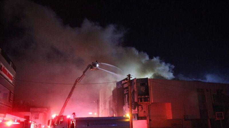 İzmir'de iş yerinde çıkan yangın bitişikteki 4 dükkana sıçradı