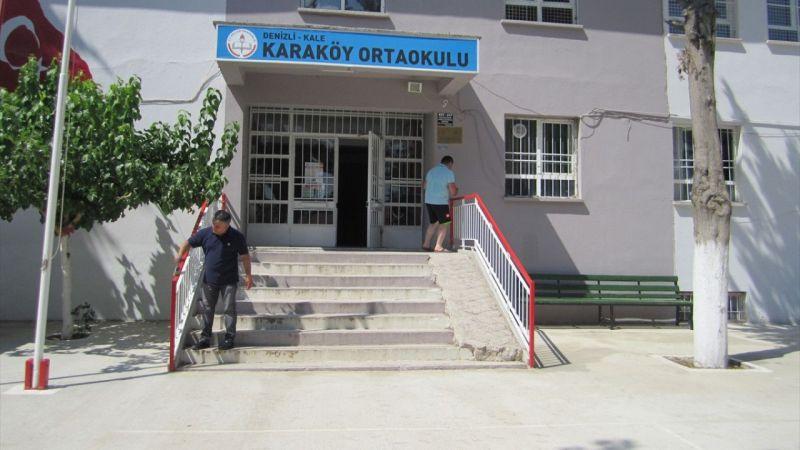 Kale'de öğretmenler daha temiz bir eğitim için okullarını boyadı