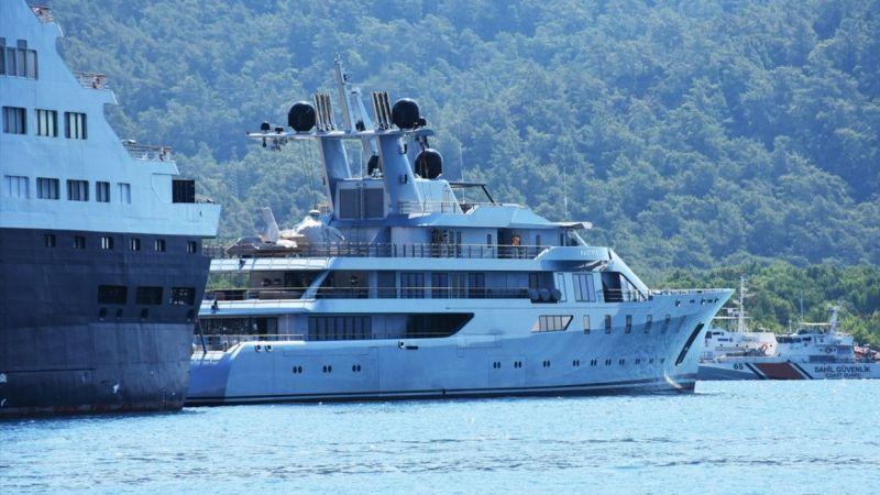 """Mega yat """"Pacific"""" Marmaris'ten 210 bin litre yakıt aldı"""
