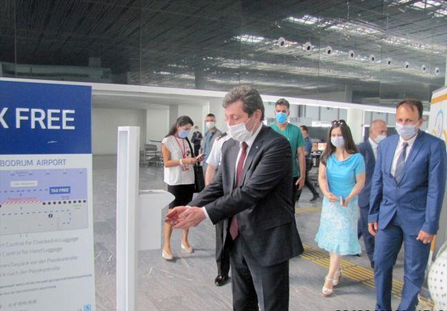 Muğla Valisi Tavlı'dan ildeki havalimanlarında koronavirüs denetimi