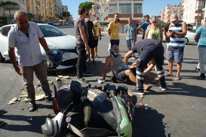 Didim'de motosiklet ile otomobil çarpıştı: 1 yaralı