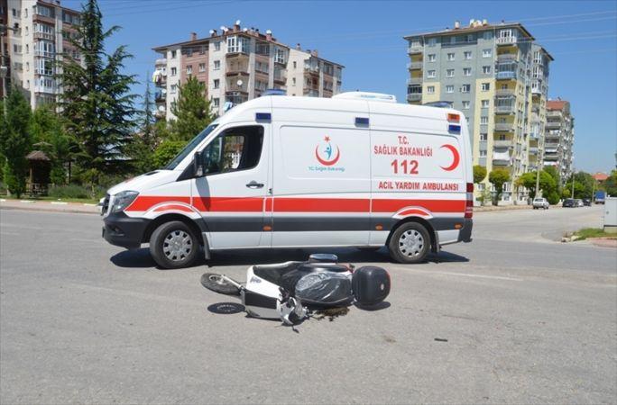 Kütahya'da otomobil ile motosiklet çarpıştı: 1 yaralı