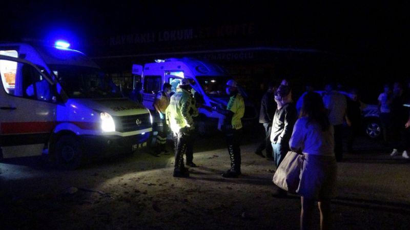 Afyonkarahisar'da yolcu otobüsü şarampole düştü: 25 yaralı
