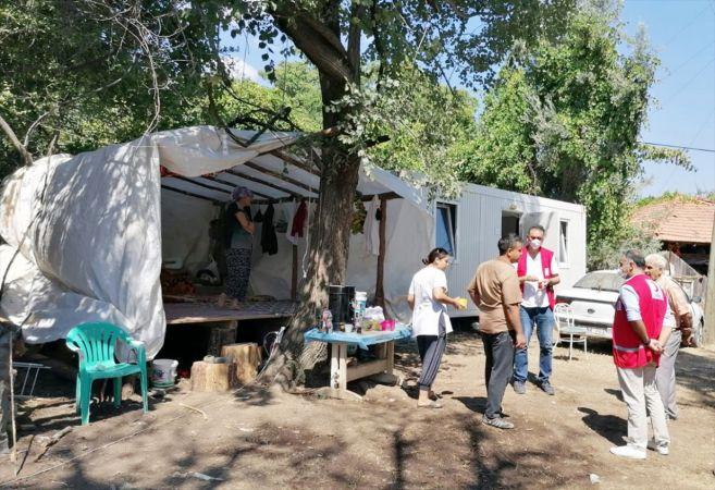 Türk Kızılay Muğla'da evi yanan aileye yardım etti
