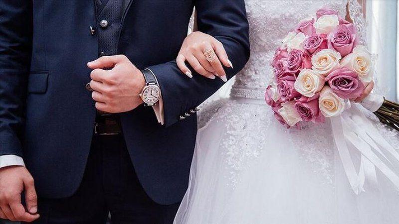 Damat düğünden kaçtı, gelin konuklardan biriyle evlendi!