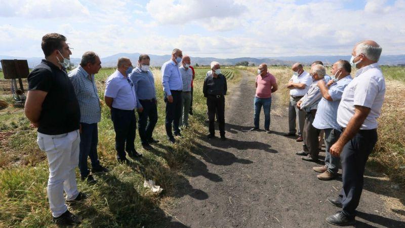 Aydın Büyükşehir Belediyesi üretimin sürmesi için çiftçinin yanında