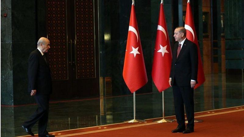 Dikkat çeken yazı: Damat medyası yüzünü MHP'ye mi çeviriyor?