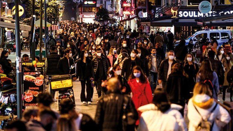 Normale dönüş için tarih veren Prof. Dr. Tevfik Özlü'den maske müjdesi