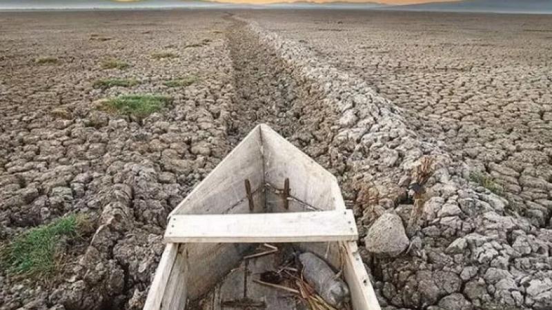 Ülkenin en büyük ikinci gölüydü, tamamen kurudu