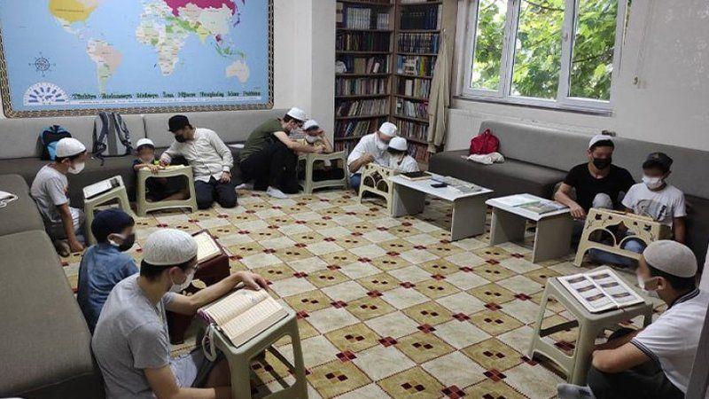 Haremlik selamlık kurslar! Milli Eğitim Bakanlığı okulları terk etti