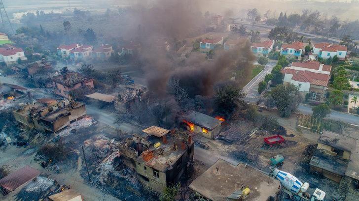 Kahreden görüntüler! Tamamen yanan köyler var