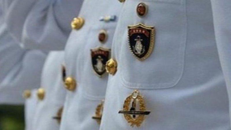 Bildiriye imza atan amirallerden flaş karar